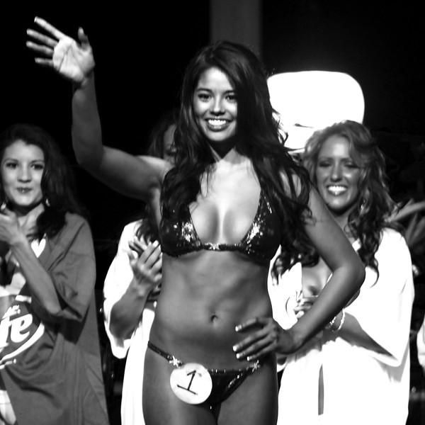 Hooters Bikini Contest