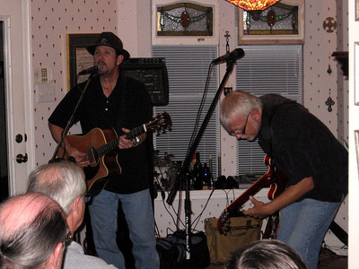 Willie singing with Hans accompanying.