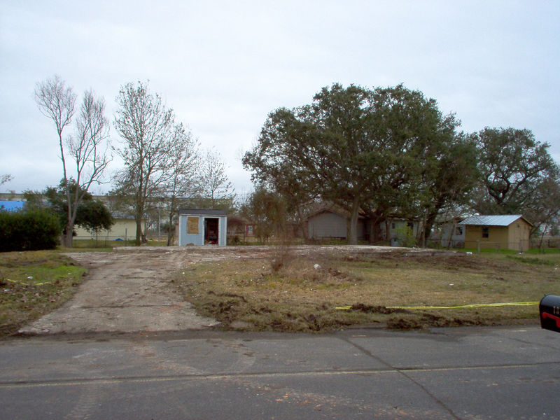 Head on view.  Now all that is left is the little shed I build minus the door that Katrina ripped off.