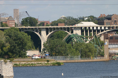 North end of the span.  You can see some tents between the trees.