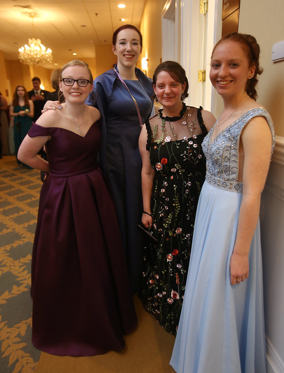 . Innovation Academy Charter School prom.  (SUN/Julia Malakie)