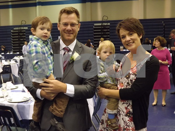 Brad and Kelly Schwartzbauer and children.