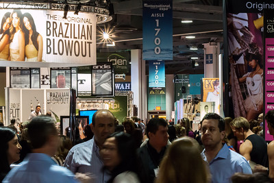 Attendees hit the show floor at ISSE Long Beach 2014