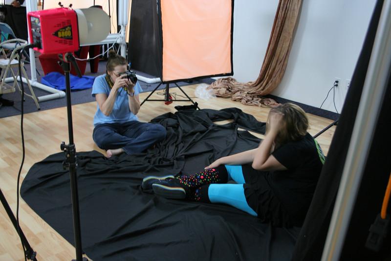 #5339: Nancy (SochAnam) shooting with model Robin