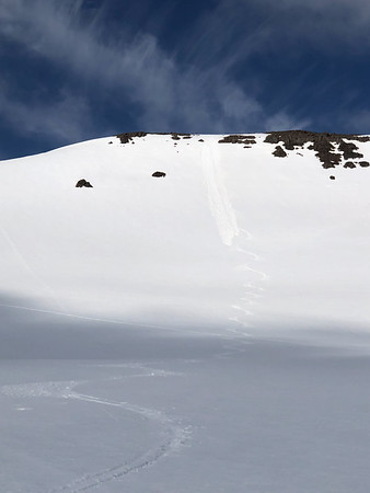 My last run of the trip, and arguably some of the best skiing I've had this year. The bowl was steep and smooth, and I skied it well. First tracks down a beautiful bowl on a sunny day. Heaven. I set off a couple pooper slides at the top.  (There wasn't enough movement to have caused any problems ...)