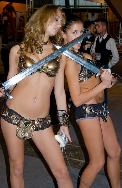 Golden Axe girls on Igromir 2008
