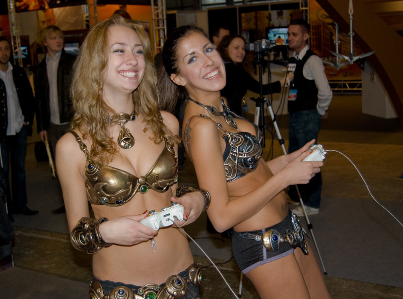 Golden Axe girls on Igromir 2008