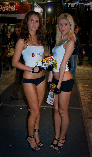 Girls at Igromir 2009