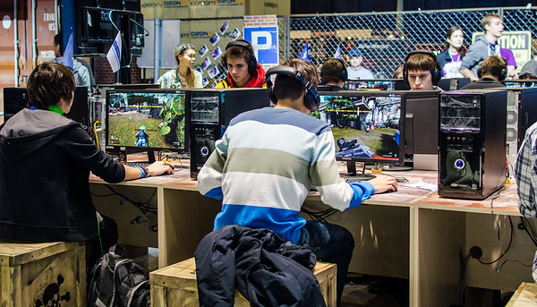 Gamers at Igromir 2012