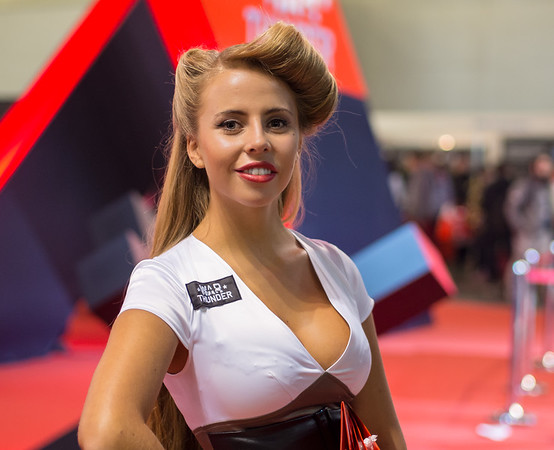 Warthunder girl at Igromir 2013