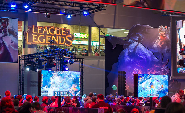 League of Legends at Igromir 2013