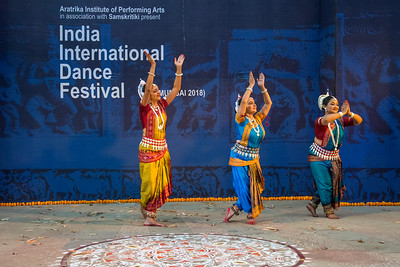 Swapnokolpa, Odissi Group. Smt Swapnokalpa Dasgupta (Roychowdhury), a disciple of legendary Guru Kelucharan Mahapatra and Guru Poushali Mukherjee, is a dancer proficient in the Odissi style of Indian classical dance.  INTERNATIONAL INDIA DANCE FESTIVAL (IIDF MUMBAI 2018) 4th March 2018. Organized by Aratrika Institute of Performing Arts and Samskritiki for its first season in Mumbai.