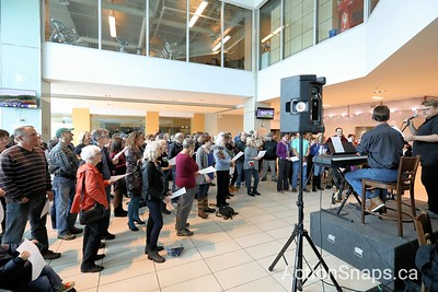 Growing the Voices Festival 500 presents an homage to Gord Downie with an instant choir led by Sean Panting