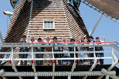 016 It's Tulip Time In Holland Every Year In May 2009 - Moederleet Singing Group On DeZwaan Windmill