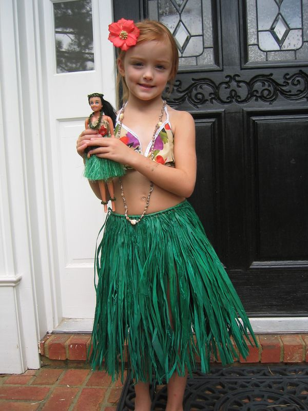Caroline got this grass skirt set from Granddad and Nana.  They bought it in Hawaii.