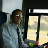 Notre conducteur d'autobus, toujours souriant.