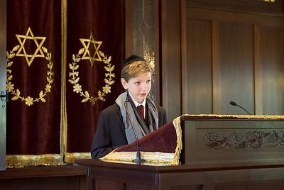 Jamie Dvar Torah   (May 28, 2005, 10:21am)