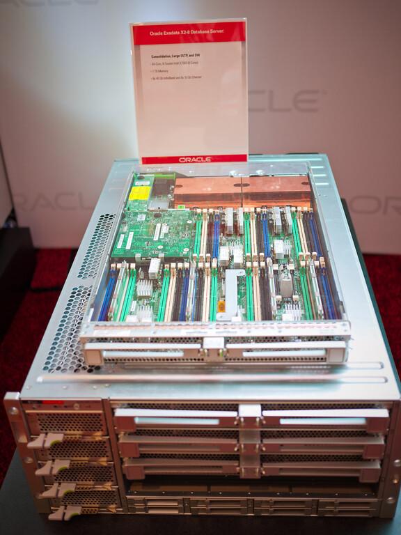 Oracle Exadata X2-8 Database Server