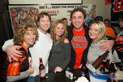 Carrie, Don, Tricia, Dale and Cassie of NKY at Jerzees for the Bengals game Saturday