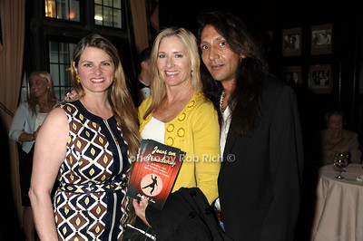 Bonnie Comley, Marcia McCabe, Reza Eslaminia photo by Rob Rich © 2011 robwayne1@aol.com 516-676-3939