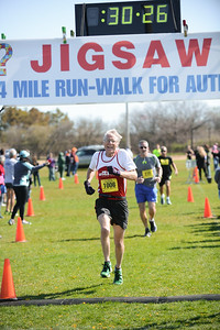 Jigsaw Race for Autism in East Islip 0558