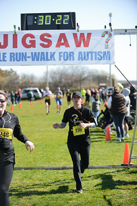 Jigsaw Race for Autism in East Islip 0555