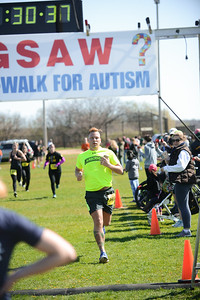 Jigsaw Race for Autism in East Islip 0567