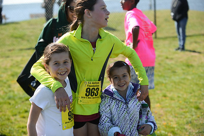 Jigsaw Race for Autism in East Islip 0549