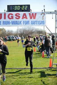 Jigsaw Race for Autism in East Islip 0554