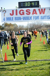 Jigsaw Race for Autism in East Islip 0570