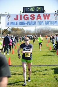 Jigsaw Race for Autism in East Islip 0565