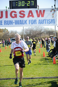 Jigsaw Race for Autism in East Islip 0559