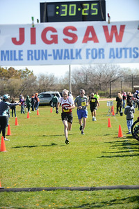 Jigsaw Race for Autism in East Islip 0556