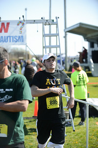 Jigsaw Race for Autism in East Islip 0582