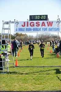 Jigsaw Race for Autism in East Islip 0552