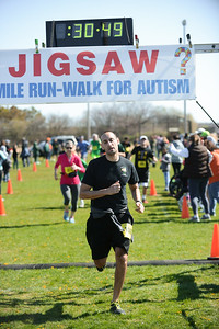 Jigsaw Race for Autism in East Islip 0578