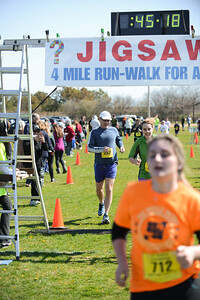 Jigsaw Race for Autism in East Islip 1258