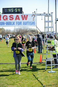 Jigsaw Race for Autism in East Islip 1282