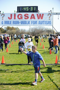 Jigsaw Race for Autism in East Islip 1267