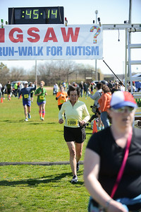 Jigsaw Race for Autism in East Islip 1253