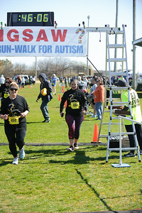 Jigsaw Race for Autism in East Islip 1291