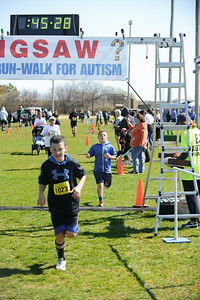 Jigsaw Race for Autism in East Islip 1265