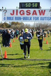 Jigsaw Race for Autism in East Islip 1419