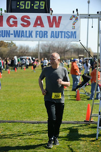Jigsaw Race for Autism in East Islip 1409