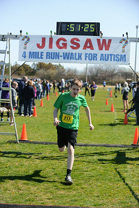 Jigsaw Race for Autism in East Islip 1438