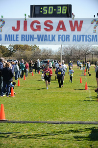 Jigsaw Race for Autism in East Islip 1410
