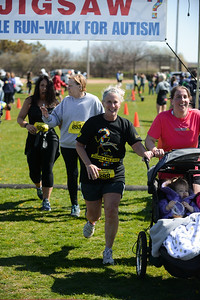 Jigsaw Race for Autism in East Islip 1427