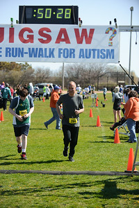 Jigsaw Race for Autism in East Islip 1407