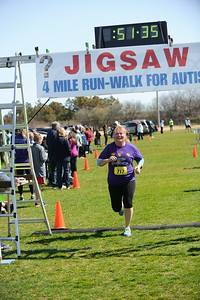 Jigsaw Race for Autism in East Islip 1443