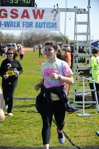 Jigsaw Race for Autism in East Islip 1556